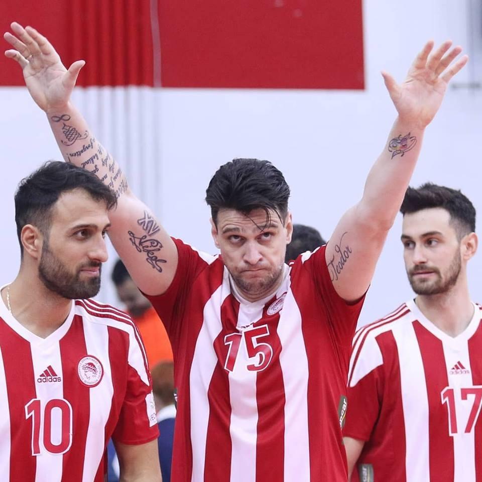 Снимка: Фантастичен Тодор Алексиев заби 24 точки, Олимпиакос на 1/4-финал за Купата на CEV срещу Нефтохимик