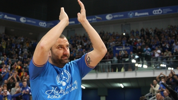 Бившият играч на Левски Александър Александров - Кривия навършва днес