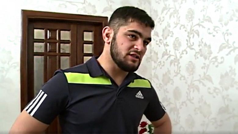 Бившият боец на ACB Джабраил Дузаев вилня в банка в