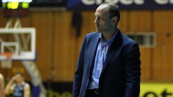 Треньорът на Левски Лукойл Тити Папазов анализра побeдата на своя