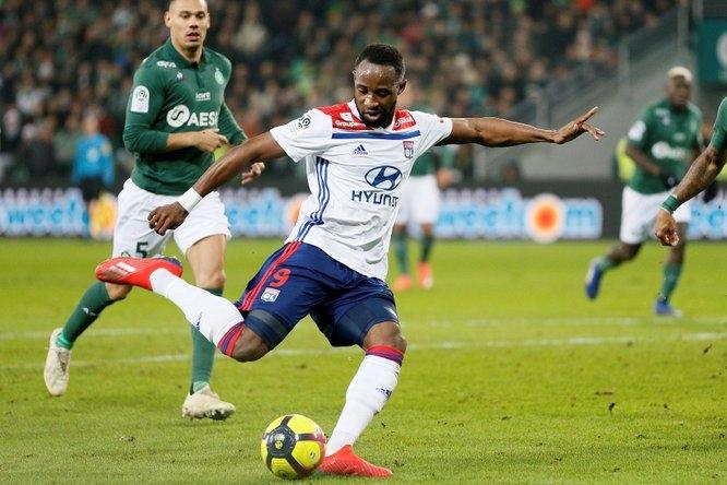 Лион се изкачи на трето място във френската Лига 1,