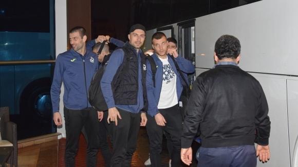 Отборът на Дунав пристигна тази вечер в Анталия, където ще