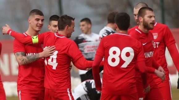 Отборът на Царско село записа лесен успех с 2:0 над