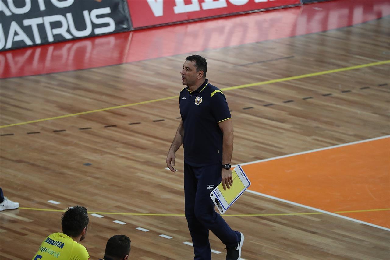 Бившият волейболен национал и настоящ треньор Николай Желязков, който е