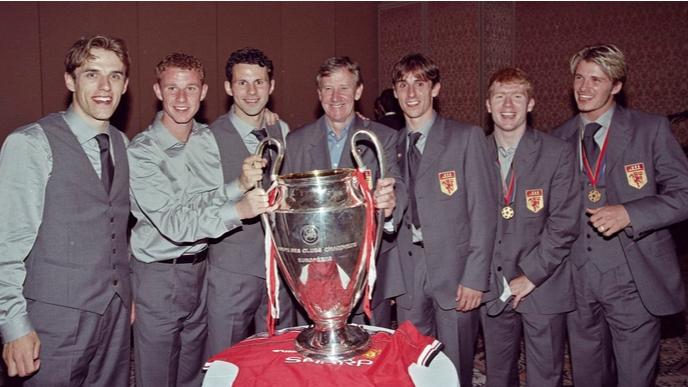 Ерик Харисън, който води футболистите от академията на Манчестър Юнайтед