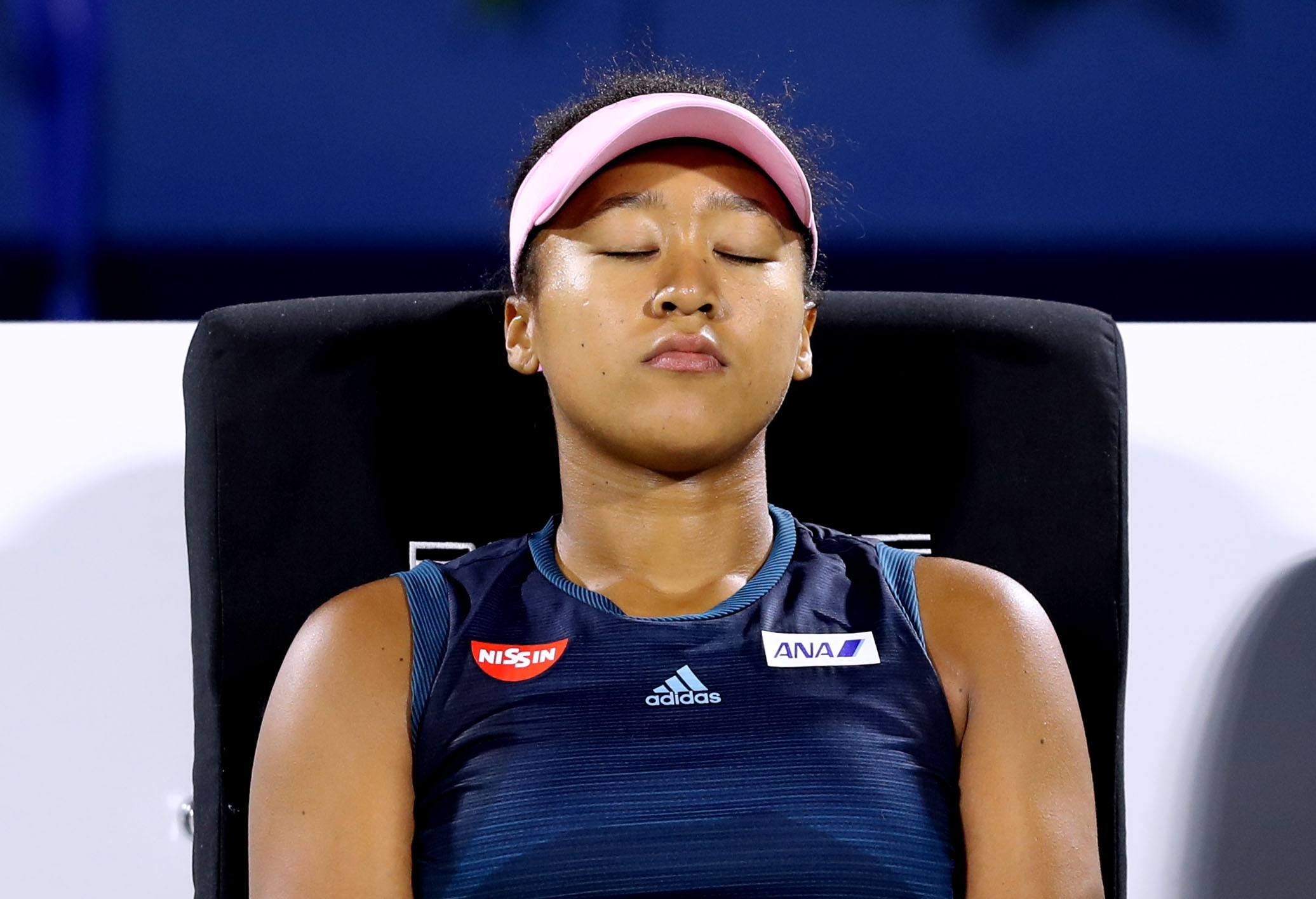 Водачката в женската тенис-ранглиста Наоми Осака загуби първия си мач