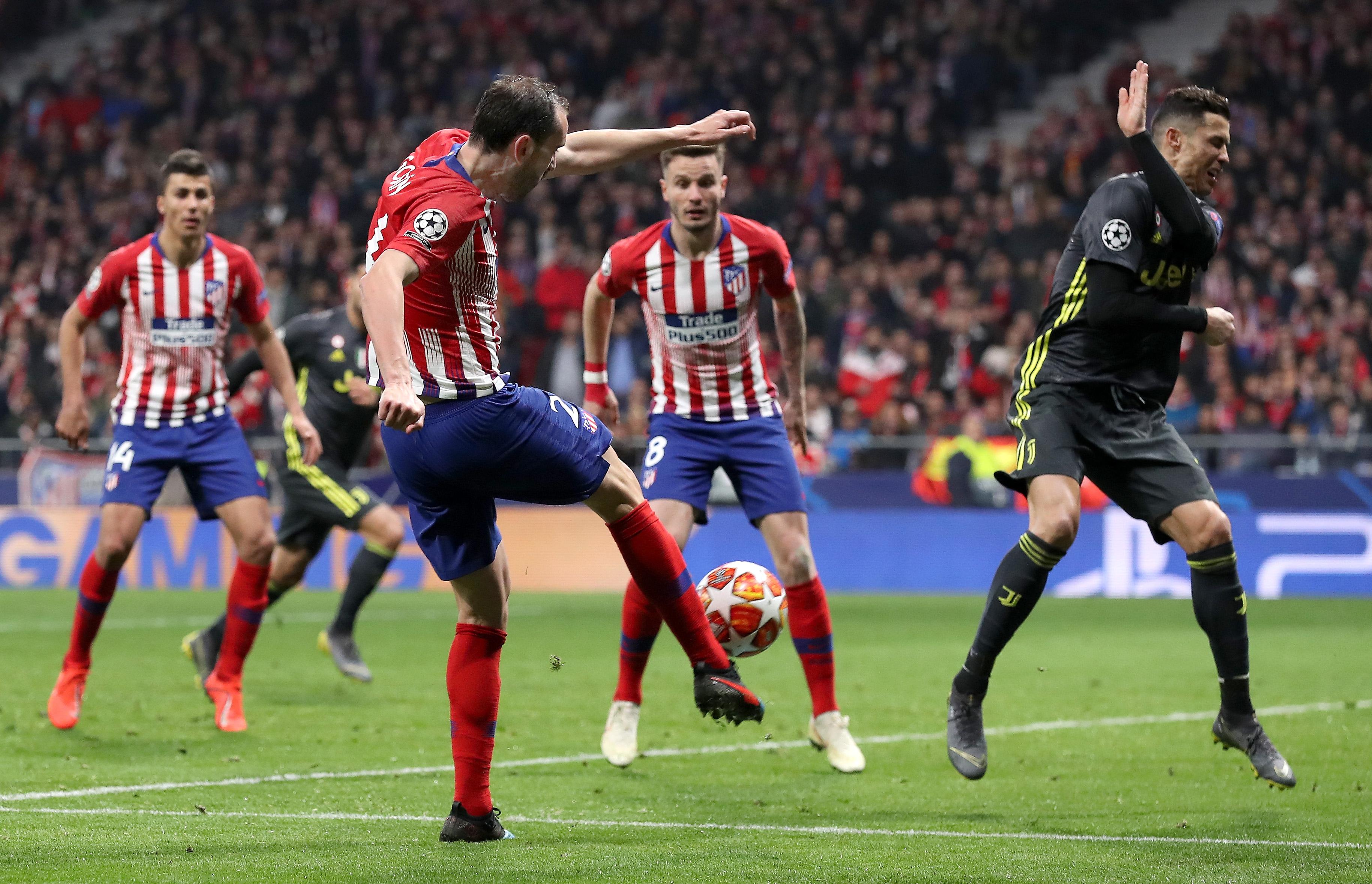 Защитникът на Атлетико Мадрид Диего Годин се разписа за победата