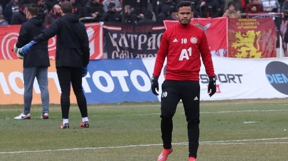 Футболистът на ЦСКА-София Евандро сподели, че се надява на победа