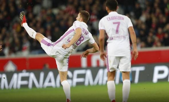 Реймс записа втора поредна победа във френското футболно първенство и