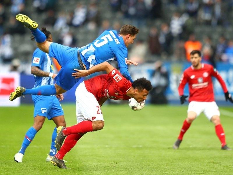 Отборът на Херта (Берлин) спечели с 2:1 срещу гостуващия Майнц