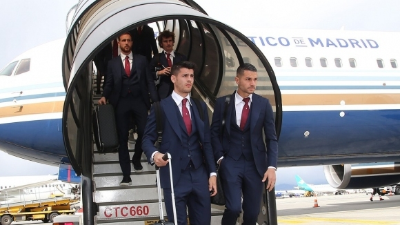 Самолетът на Атлетико Мадрид имаше сериозни проблеми при кацането си