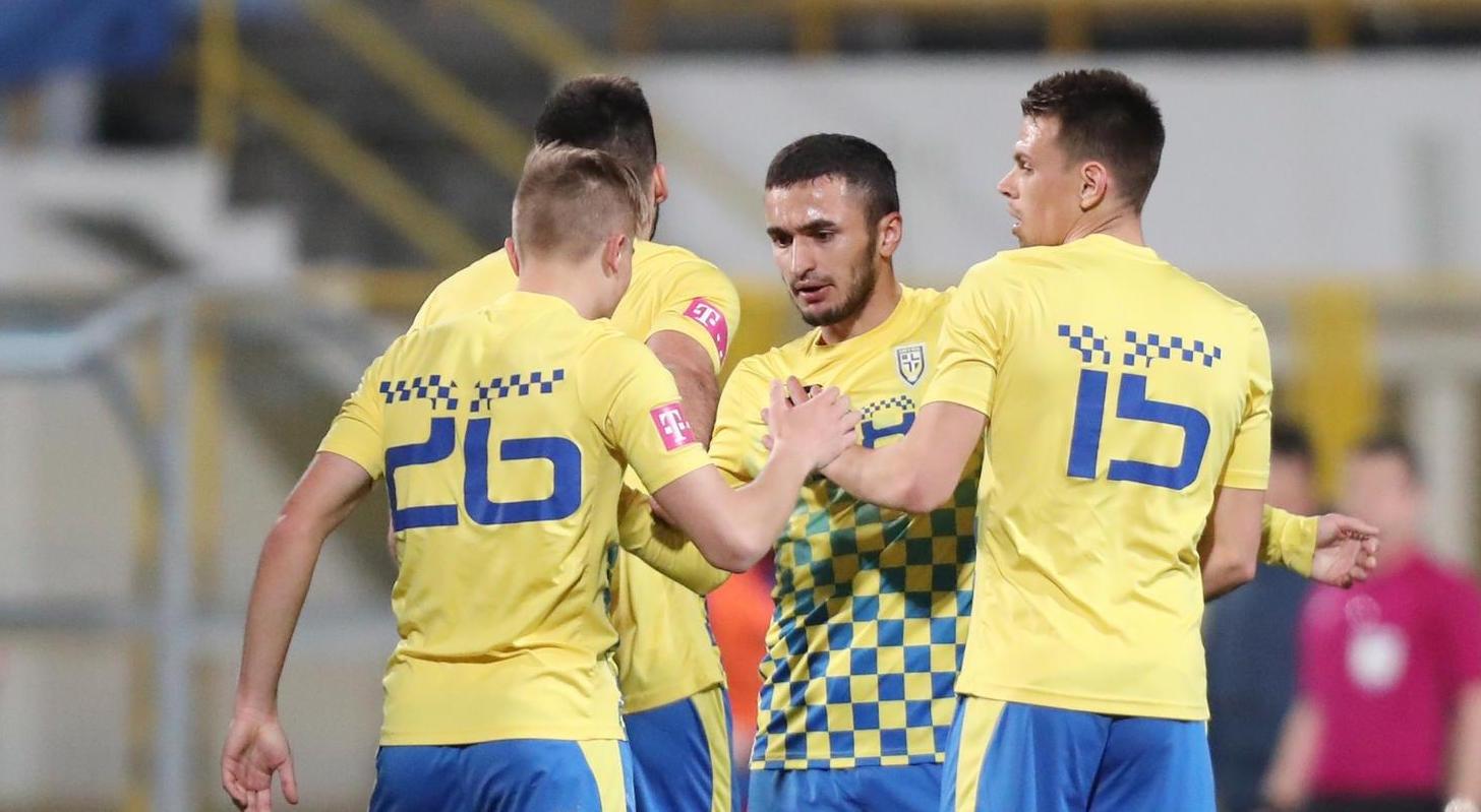 Снимка: Бивш нападател на Славия герой за отбора на Боби Цонев