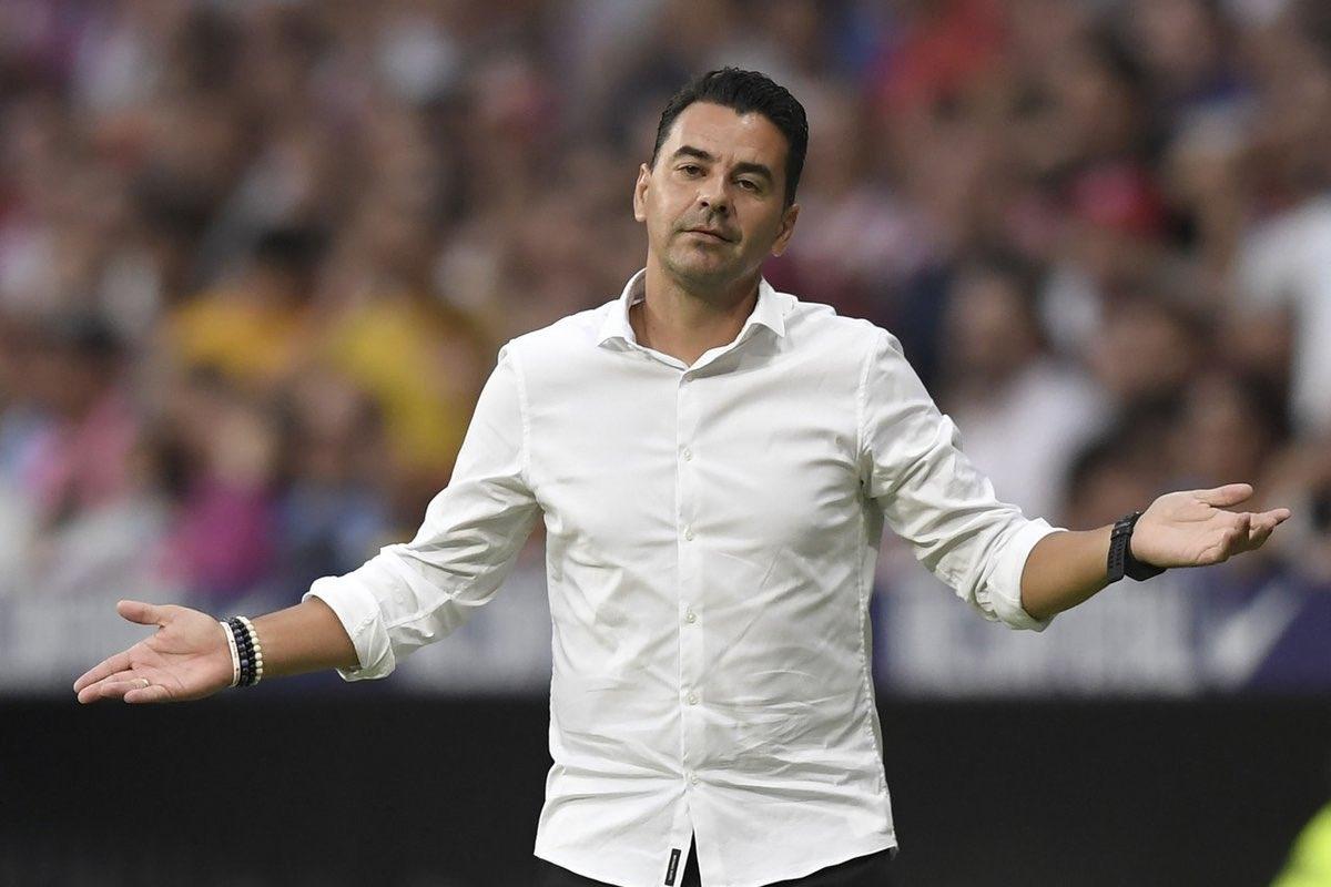 Райо Валекано уволни своя треньор Мигел Анхел Санчес - Мичел.