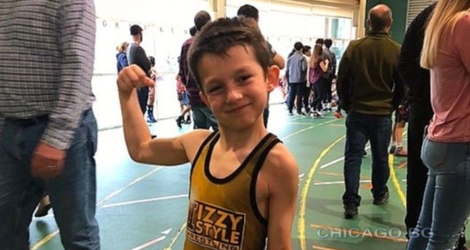 Деветгодишният Ерик Кличуров стана шампион на секционното състезание по борба