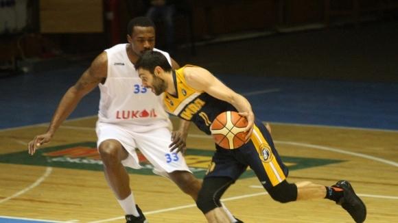 Дисциплинарно-административният съвет (ДАС) към Националната баскетболна лига наложи глоби в