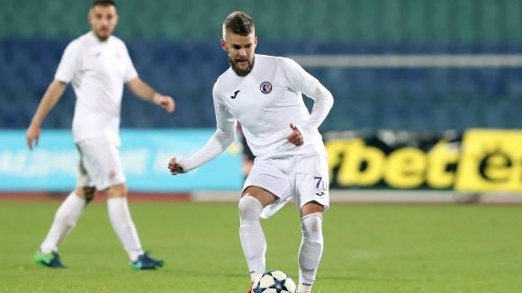 Звездата на Етър Велко Батрович даде любопитно интервю пред черногорското