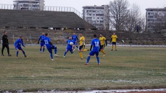 Футболистите на Светкавица (Търговище) победиха с класическото 3:0 гостите от