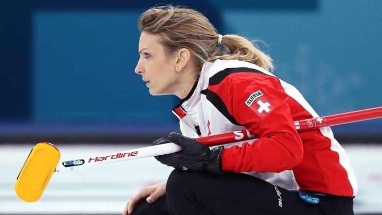 Олимпийският и европейски шампион Швеция и Швейцария се класираха за