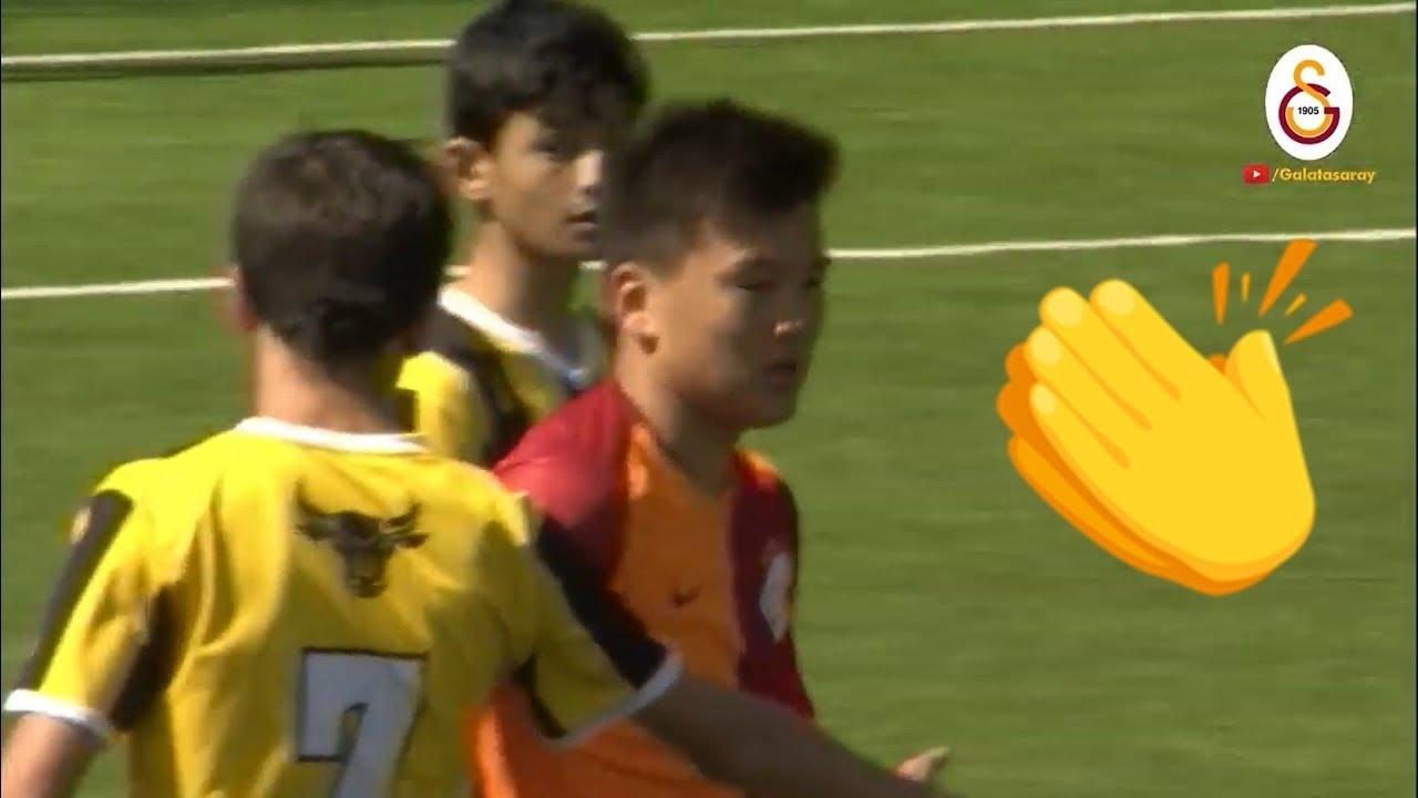 Куриозен момент беляза мача между детските отбори до 14 години