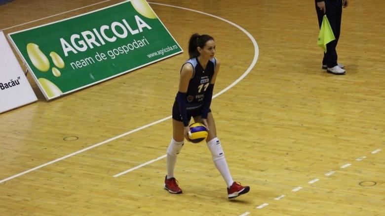 Българските волейболистки Славина Колева, Кристина Гунчева и Ивелина Монова и