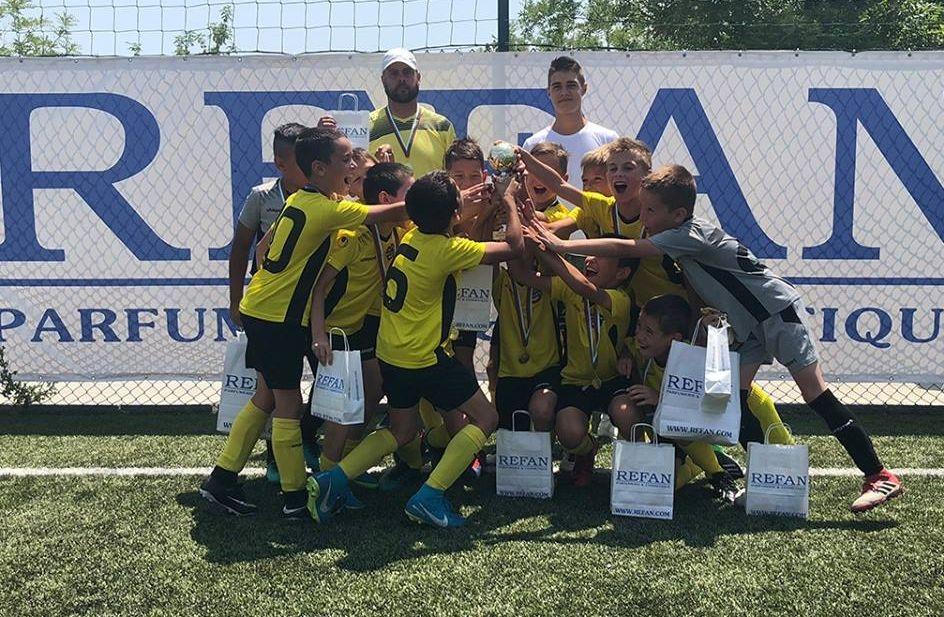 Снимка: Ботев  приема второто издание на REFAN CUP за деца родени 2008-а година
