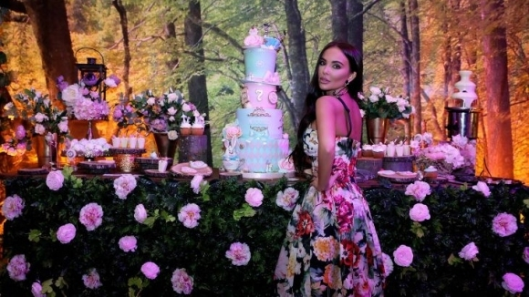 Снимка: Николета спретна луд купон за ЧРД на дъщеря си