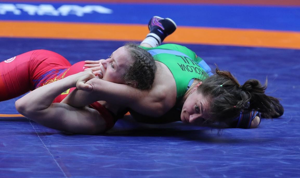 Българската женска борба записва пореден голям успех. Три от нашите