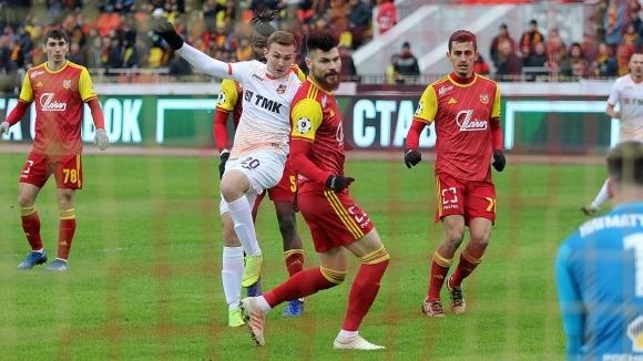 Снимка: Костадинов уцели греда срещу отбора на Хичо