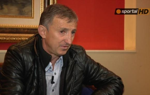 Бившият футболист на Ботев Пловдив и ЦСКА Марин Бакалов бе