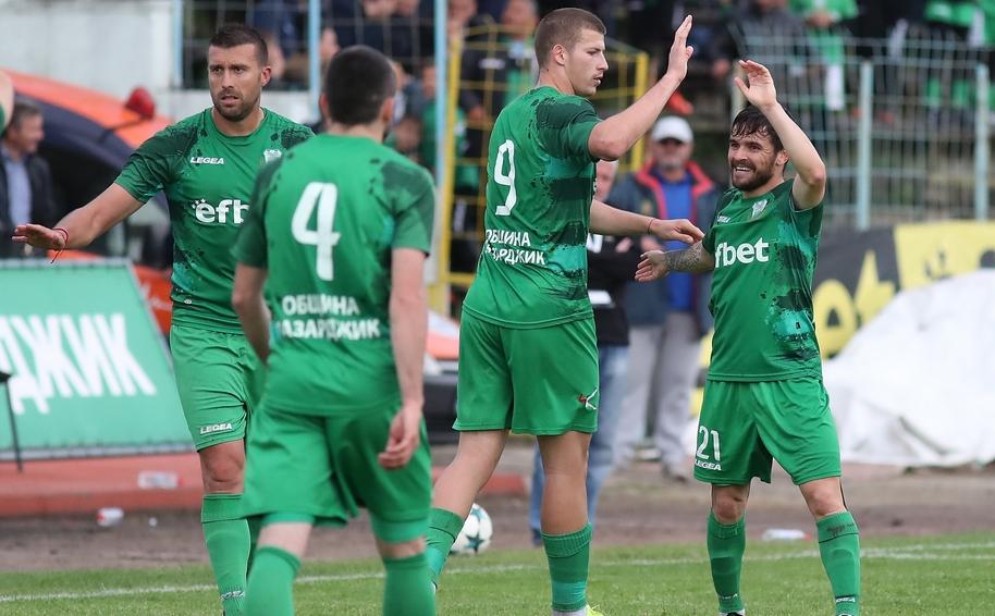 Лидерът в Югозападната Трета лига Хебър (Пазарджик) постигна поредна победа