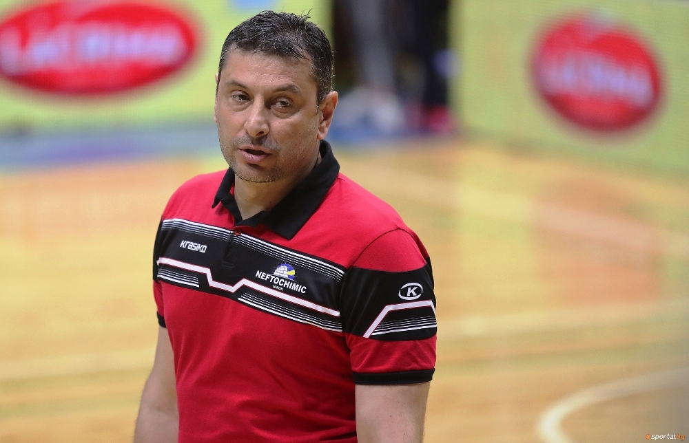 Треньорът на волейболния Нефтохимик 2010 (Бургас) Николай Желязков спечели първа