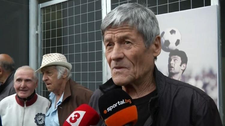 Снимка: Чико в кома! Пловдив се моли за иконата на Ботев