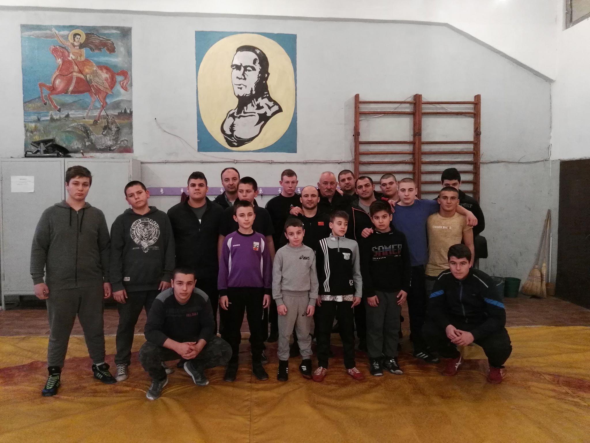 Снимка: Именитият треньор по борба Лако Лаков се нуждае от спешна операция