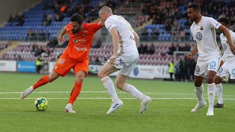 Българският вратар Михаил Иванов не игра за Ескилстуна при загубата