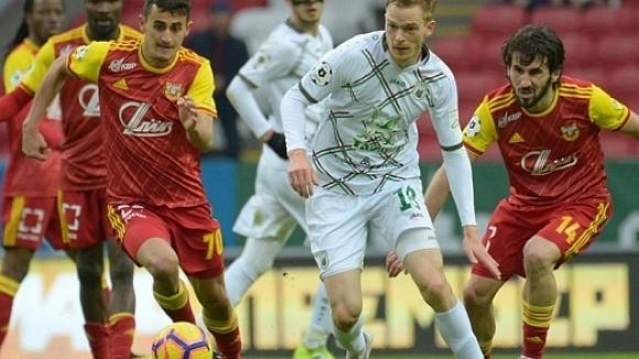 Българският полузащитник Георги Костадинов игра пълни 90 минути на много