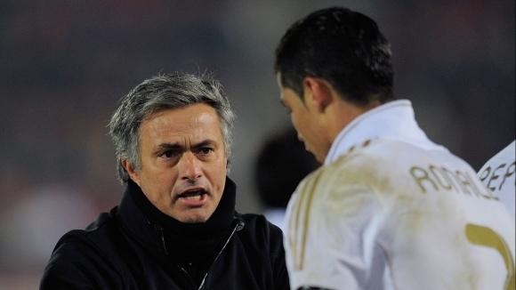 Емануел Адебайор изкара едва шест месеца в Реал Мадрид, но