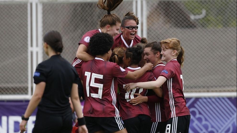 Отборът на Германия разби Англия с 4:0 в едно от