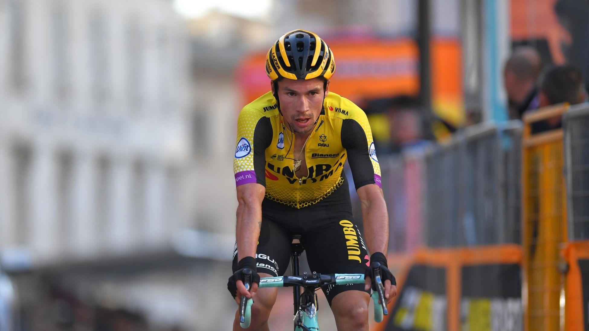Словенецът Примож Роглич защити титлата си на престижната колоездачна Обиколка