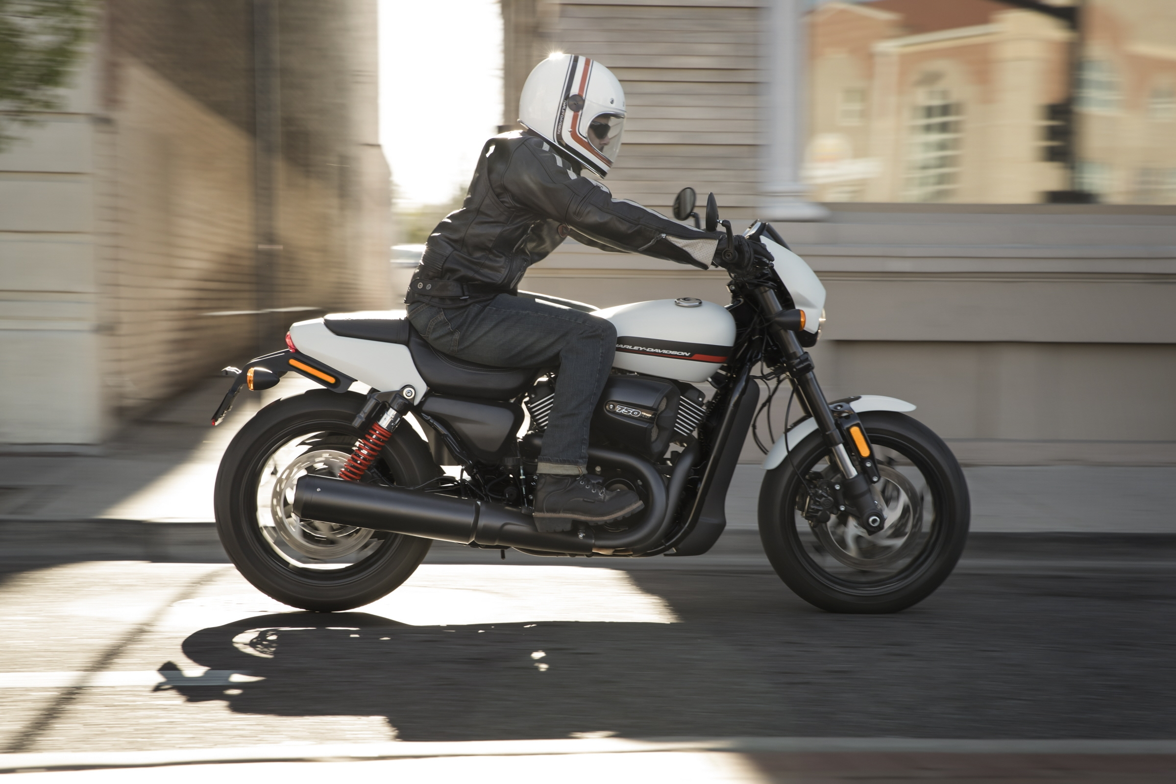 Една от петте дългосрочни стратегически цели на Harley-Davidson е