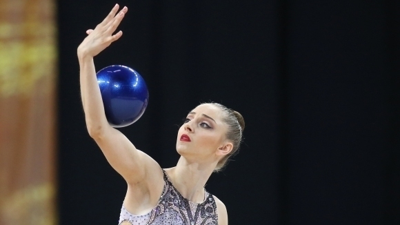 Националният отбор по художествена гимнастика проведе официално контролно преди заминаването