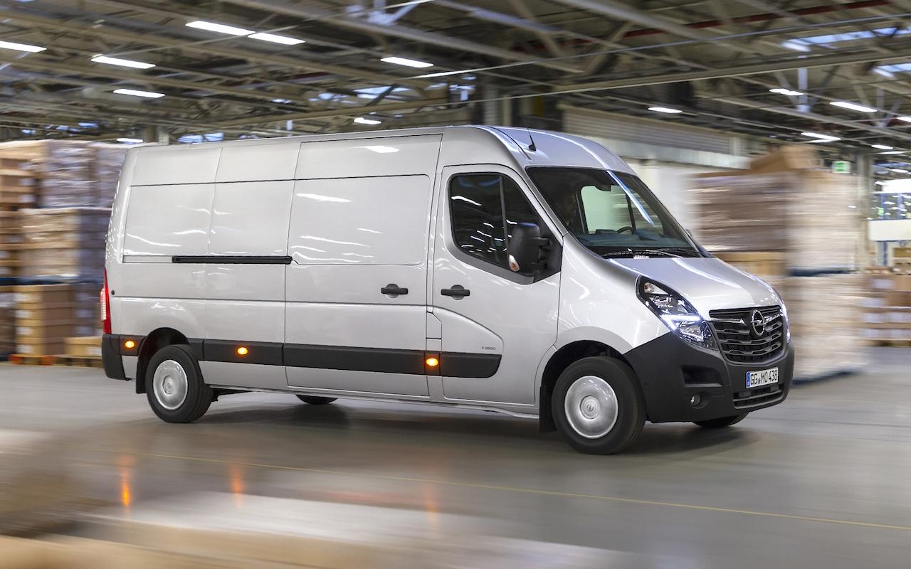 Новият Opel Movano е по-модерен и по-удобен за работа. Множество