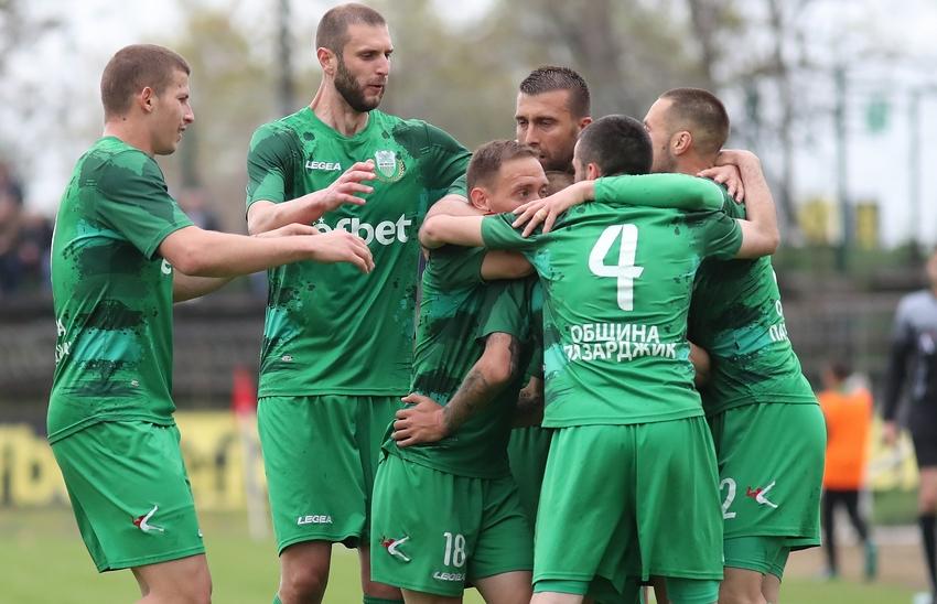 Шампионът на Югозападната Трета лига Хебър (Пазарджик) продължава да доминира