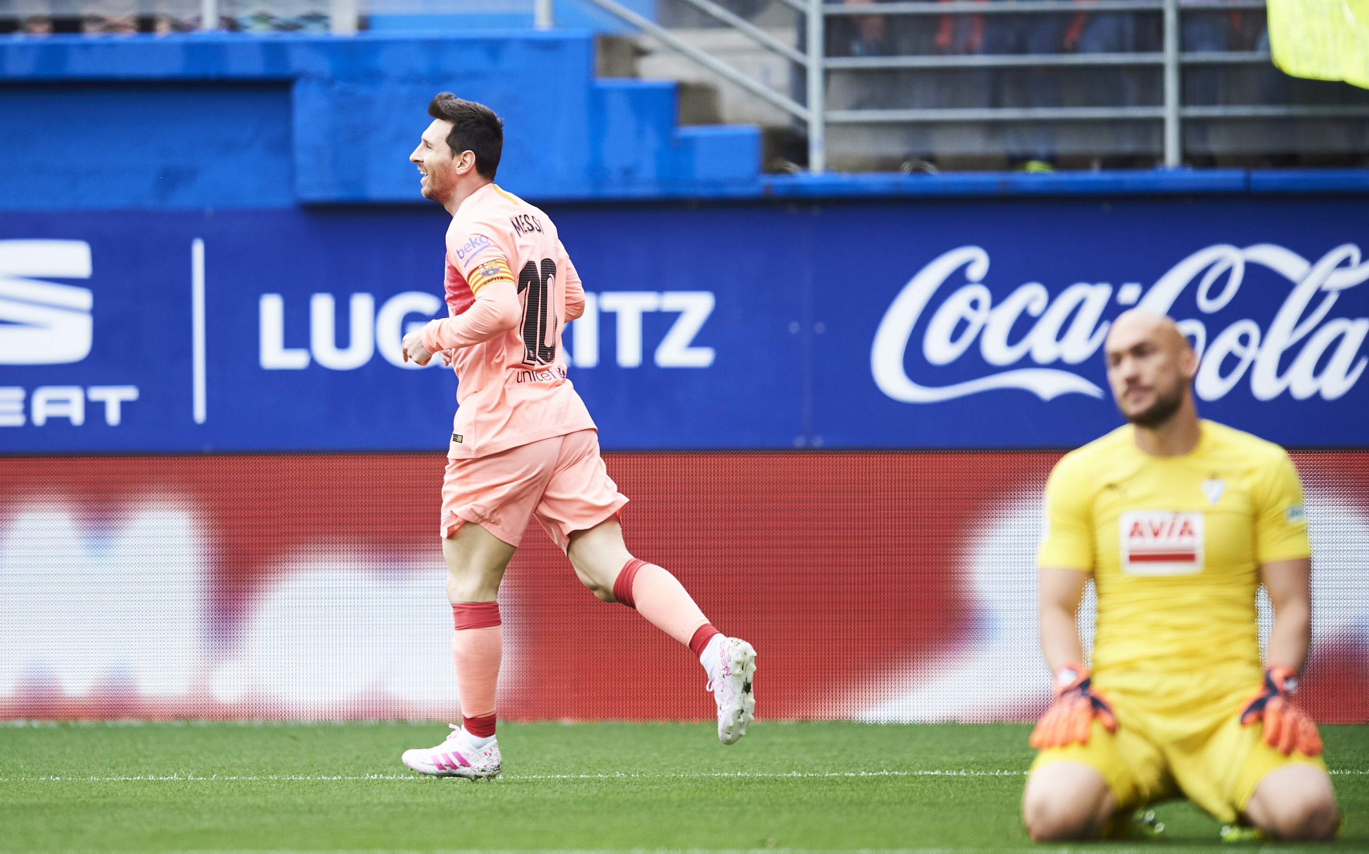 Шампионът Барселона гостува на Ейбар последната среща за сезона в