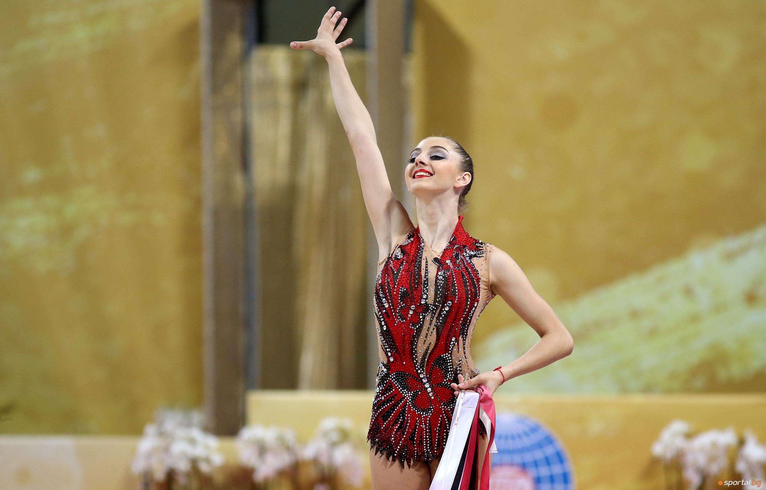 Извоювалата три бронзови медала (в отборното, както и във финалите