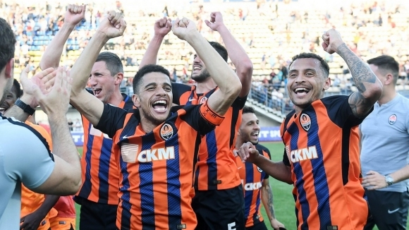 Футболистите на Шахтьор (Донецк) победиха с 1:0 Заря Луганск като