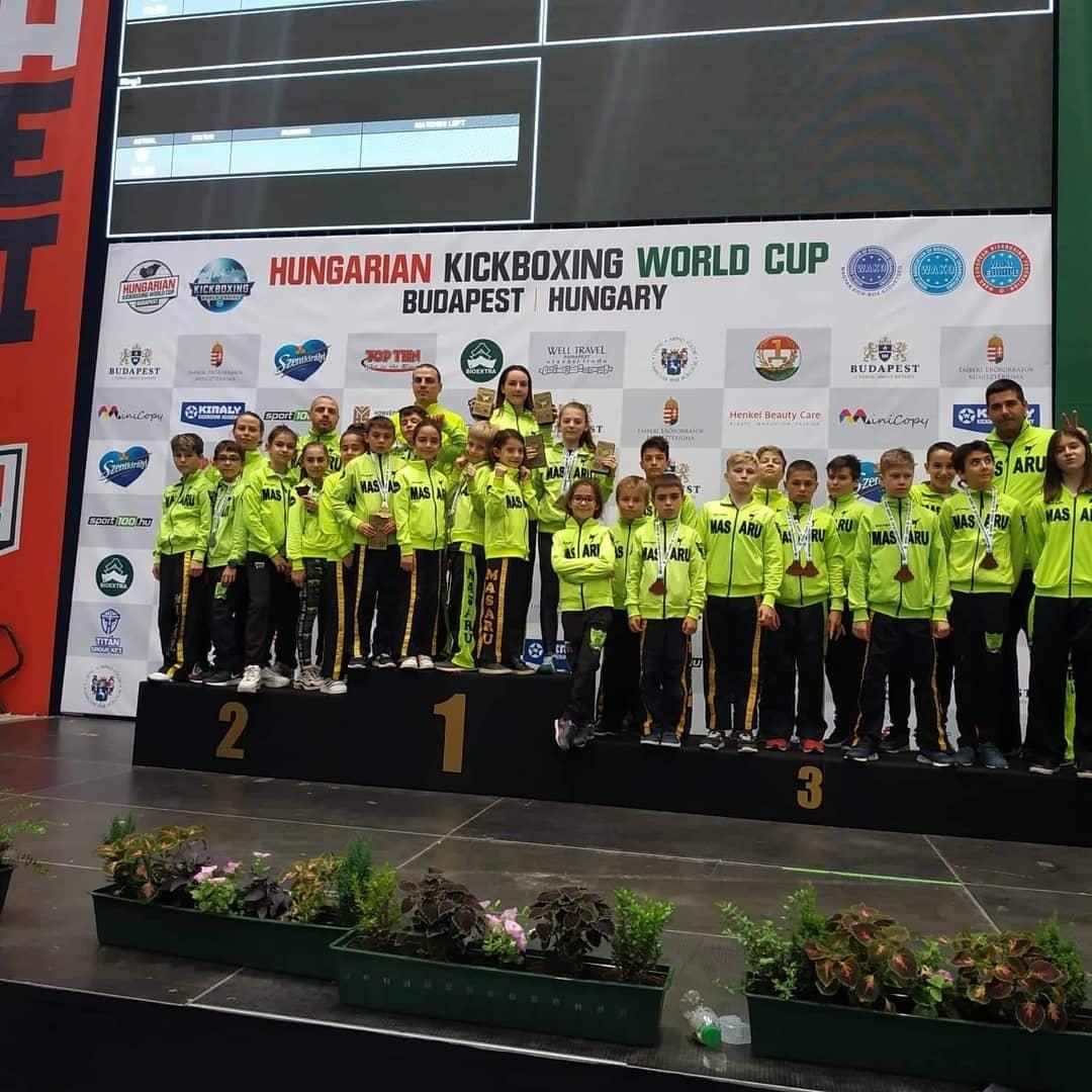 Отлично представяне записаха българските кикбосьори на Световната купа в Будапеща,