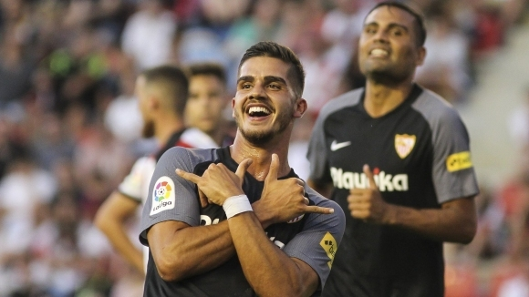 Нападателят на Милан Андре Силва сподели, че ще се върне