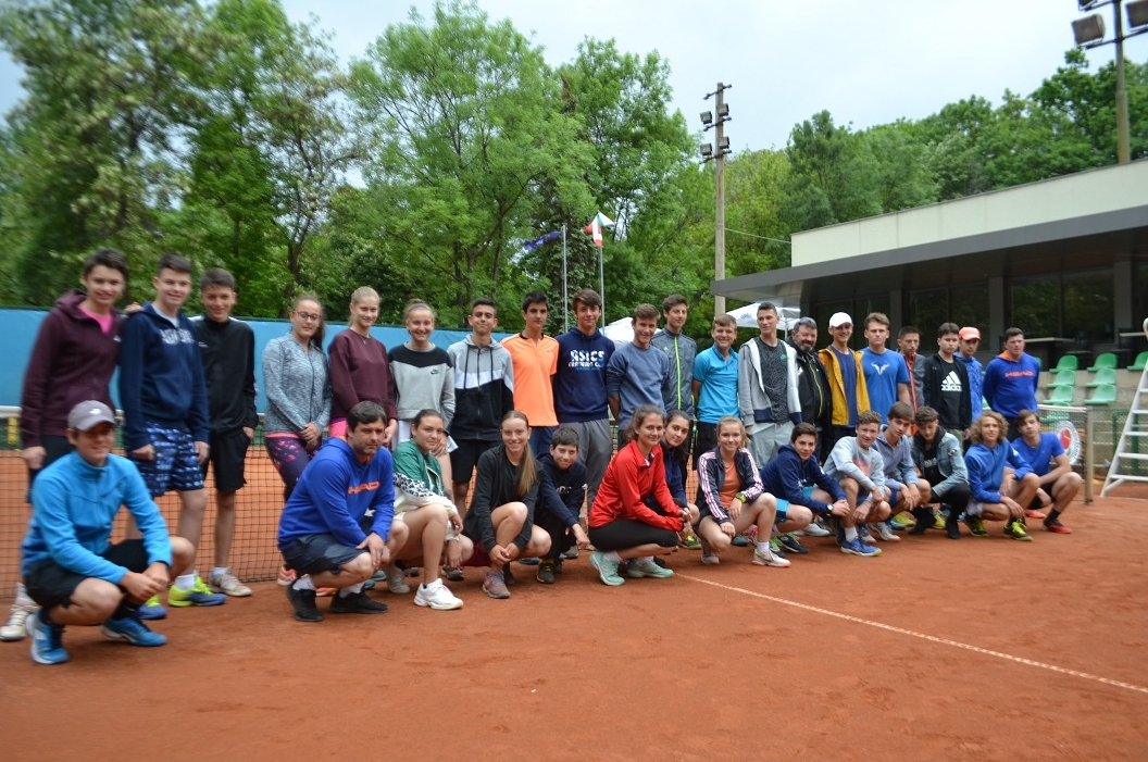 """На """"Националния ОББ тенис център"""