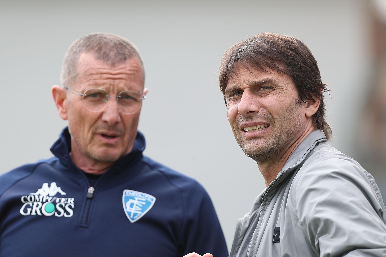 Бившият мениджър на Челси и Ювентус Антонио Конте ще води
