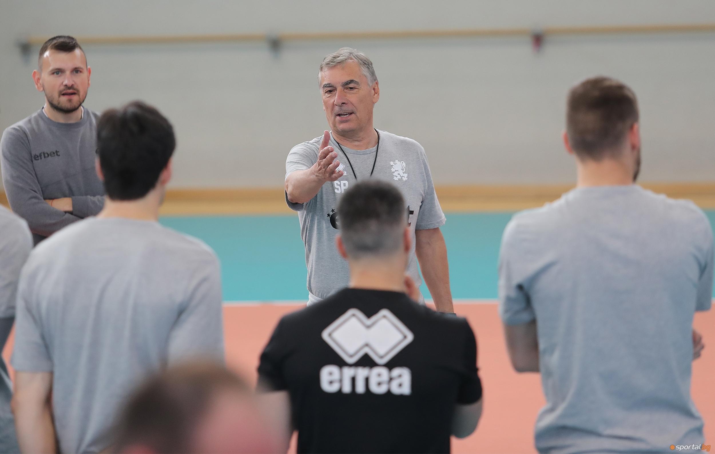Селекционерът на България Силвано Пранди обяви, които са волейболистите, които